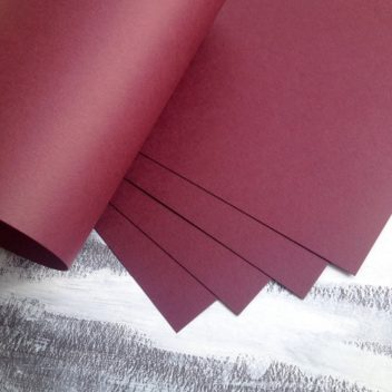 Матовый темно-бордовый кардсток