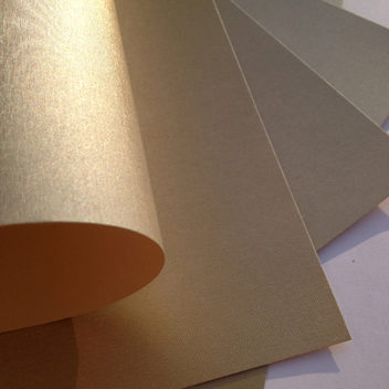 Бумага золотая металлизированная с тиснением Шелк