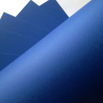 Плотный кардсток интенсивного синего цвета