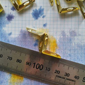 Уголок металлический Gold Lug