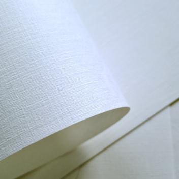 Бумага с тиснением Лён высоко-белая 30х20см