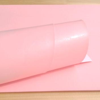 Глянцевый светло-розовый переплетный кожзам