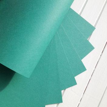 Матовый изумрудно-зеленый кардсток