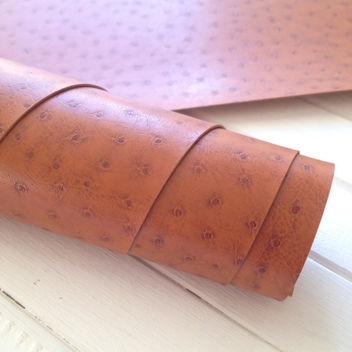 Коричневый текстурный кожзам с тиснением Кожа страуса