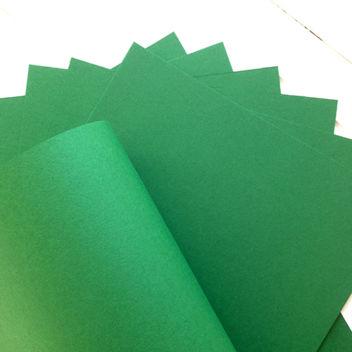 Матовый ярко-зеленый кардсток
