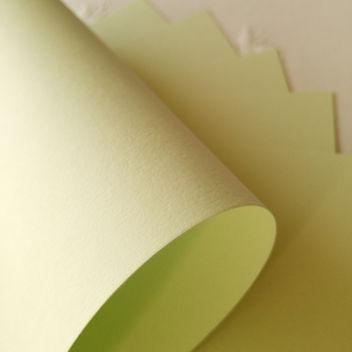 Матовый фисташково-зеленый кардсток