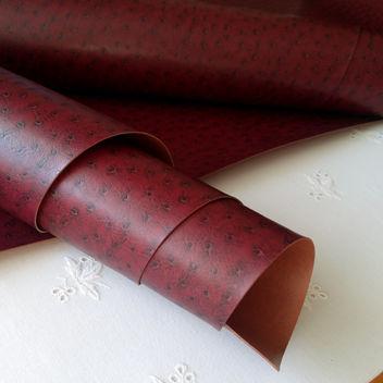 Темно-вишневый текстурный кожзам с тиснением Кожа страуса