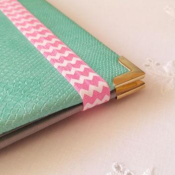 Ярко-розовая резинка для блокнотов Маленький Шеврон 15мм