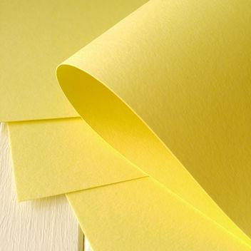 Матовый светло-желтый кардсток