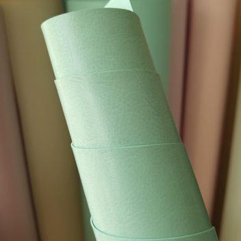 Глянцевый переплетный кожзам бледно-мятного цвета