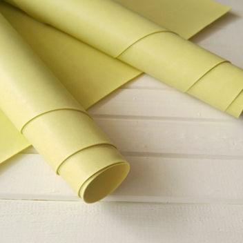 Бледно-жёлтый переплетный кожзаменитель