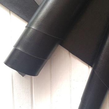 Глянцевый черный переплетный кожзам