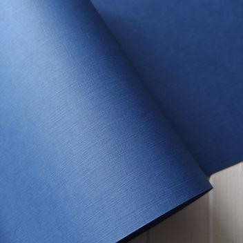 Бумага с тиснением Лён светло-синяя 30х20см
