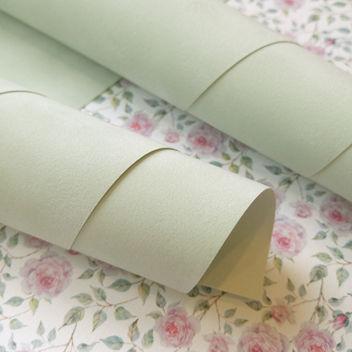 Бледно-зеленая искусственная замша на бумажной основе 50х35см