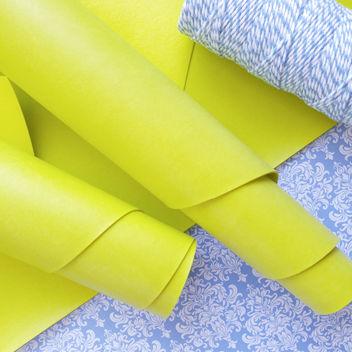Желто-зеленый переплетный кожзаменитель