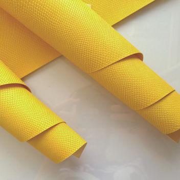 Жёлтый кожзаменитель Питон