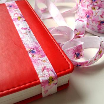 Широкая розовая резинка для блокнотов Цветущая Сакура