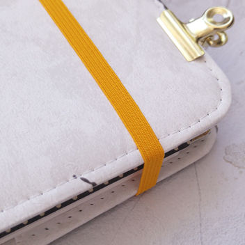 Резинка тонкая тёмно-желтая для блокнотов 6мм