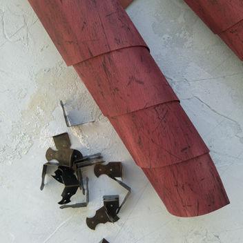 Кожзам переплетный под состаренную дубовую доску бордового цвета