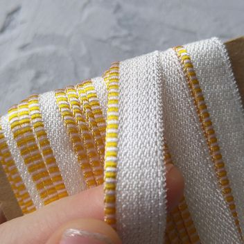 Каптал с глянцевой желто-белой кромкой 14мм