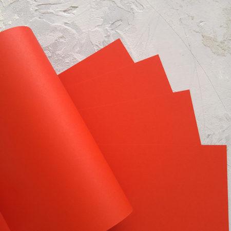 Кардсток интенсивного красного цвета