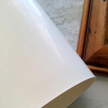 Белый глянцевый кожзаменитель под шевро