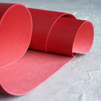 Красный кожзаменитель с тиснением Джинс