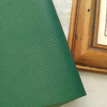 Зеленый кожзаменитель Питон