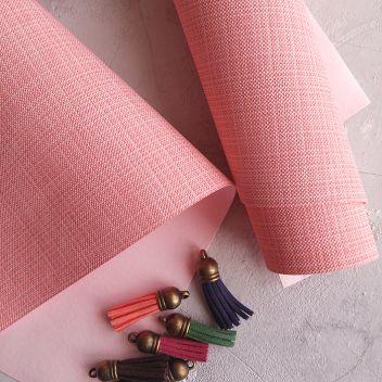 Кожзаменитель розовый с тиснением под холст