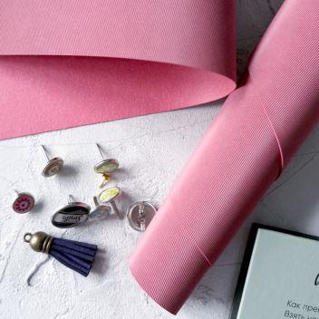 Тёмно-розовый кожзаменитель с тиснением Джинс
