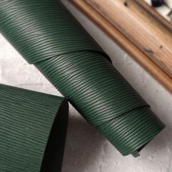 Тёмно-зеленый кожзаменитель с тиснением Лоза
