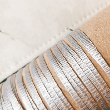 Ляссе Серебро 4,5мм 1м